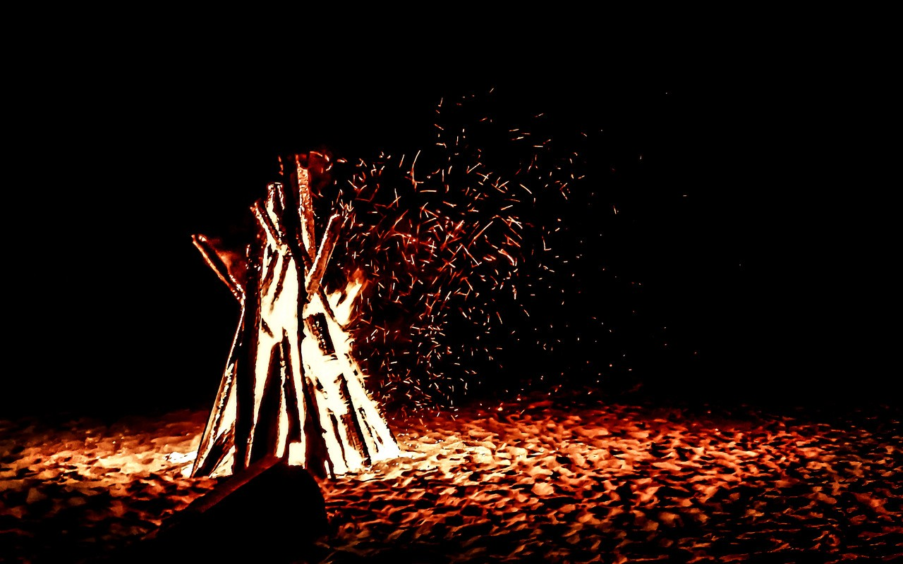 beach bonfire photo  u22c6 photo bstrakt